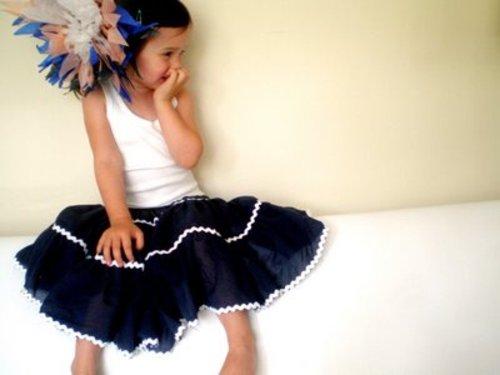 Skirt_sitting